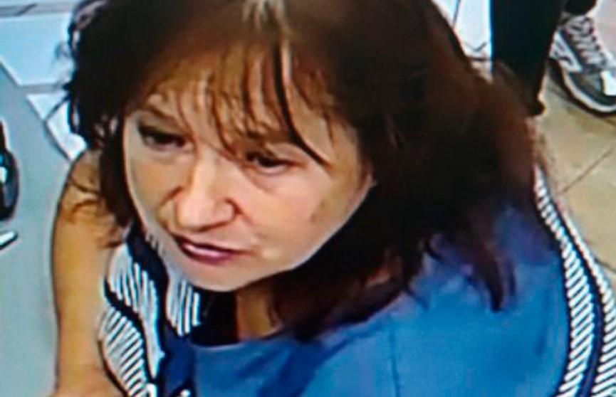 Лишние 5 тысяч рублей выдали женщине в гомельском банке. Теперь её ищет милиция