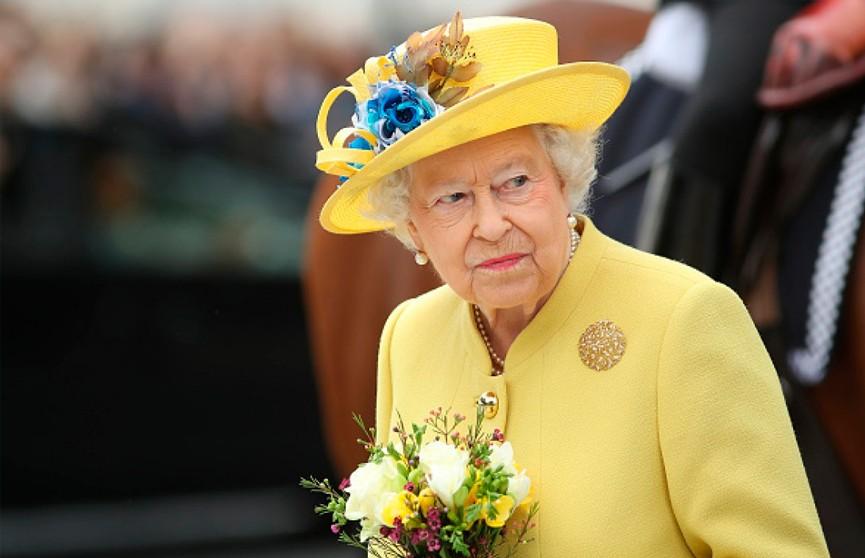 Елизавету II могут эвакуировать из Лондона в случае беспорядков из-за Brexit