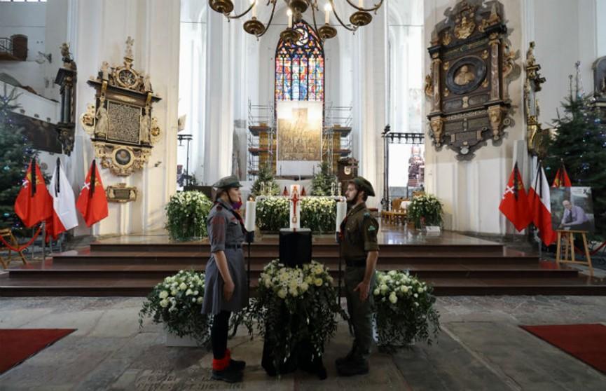 Похороны мэра Гданьска. Соболезнования президенту Польши, родным и близким Павла Адамовича, а также всему польскому народу выразил  Александр Лукашенко