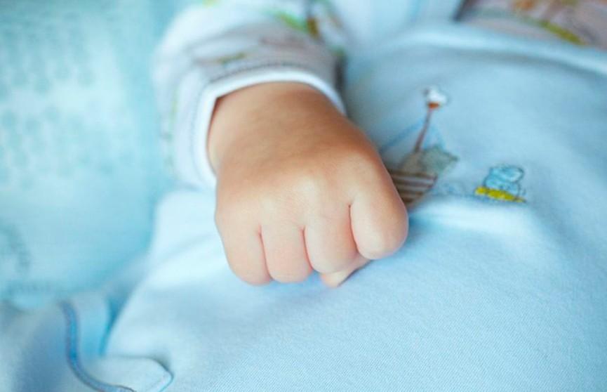 В Пинске 11-месячную девочку заразили ВИЧ