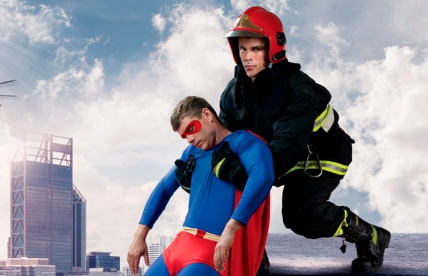 Кто спасёт супергероев? Новая креативная реклама от спасателей