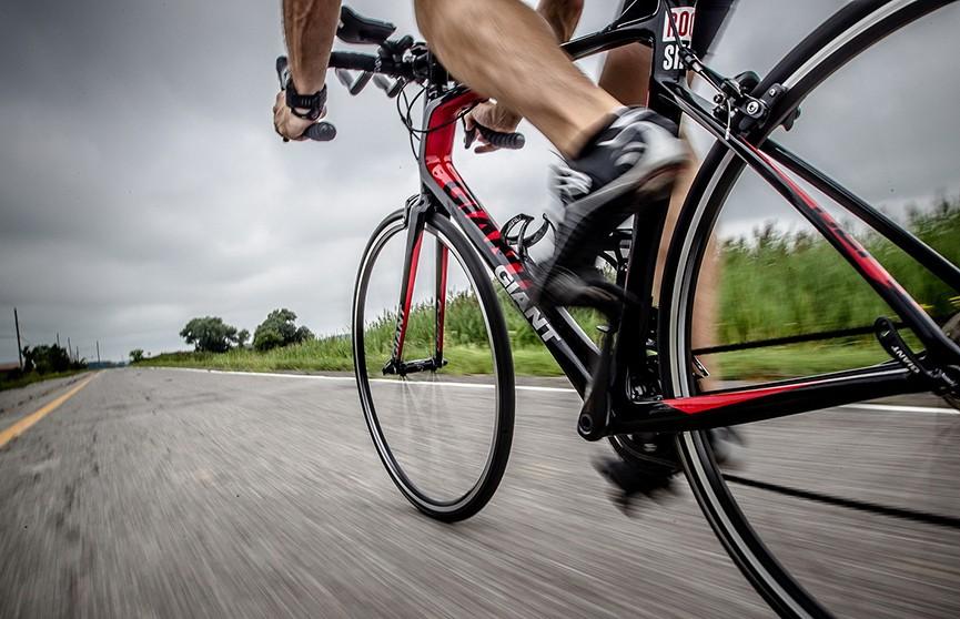 Гомельский «шумахер»: велосипедист за минуту нарушил несколько ППД (ВИДЕО)