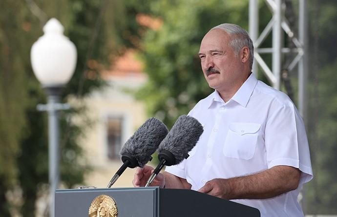Лукашенко: Люди просят спокойной жизни, и мы должны им эту жизнь предоставить