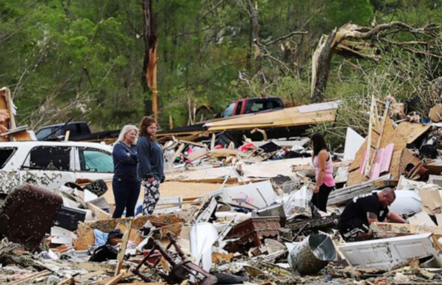 26 человек погибли в результате торнадо на юге США