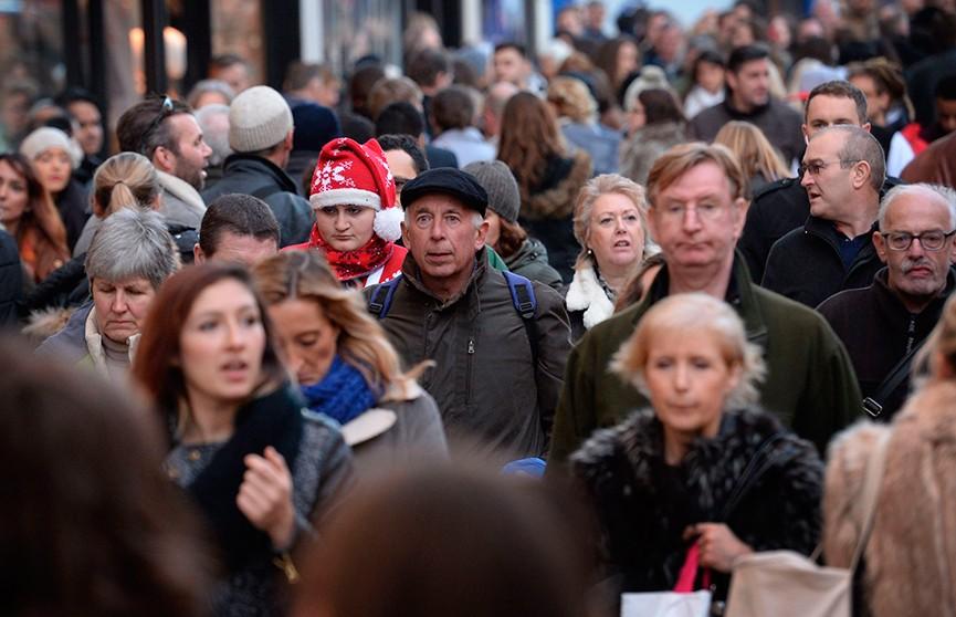 Жители Великобритании запасаются продуктами. Чего боятся люди?