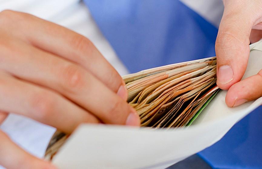Семья так тщательно спрятала деньги, что смогла их найти только с помощью милиции