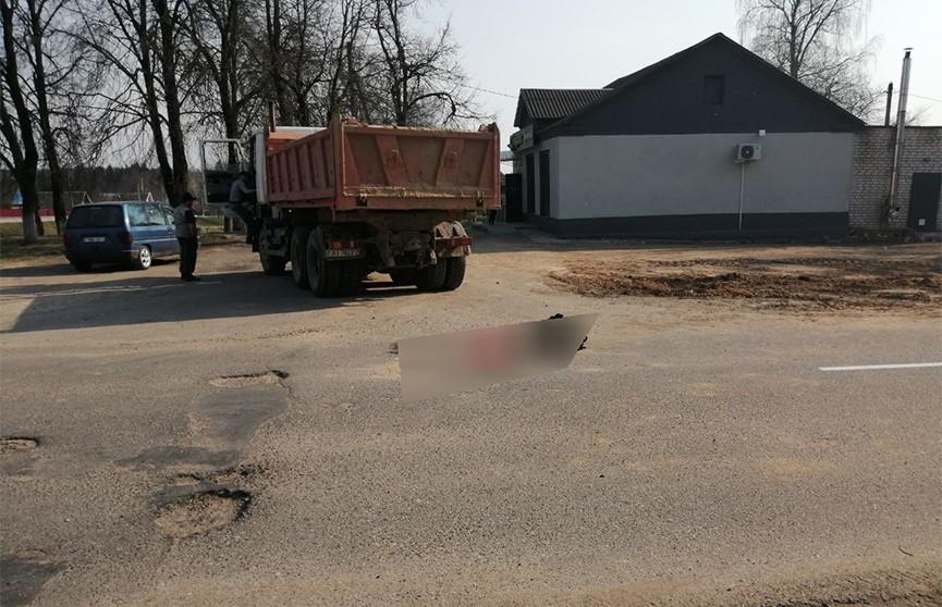 Грузовик задавил 79-летнюю пенсионерку под Оршей
