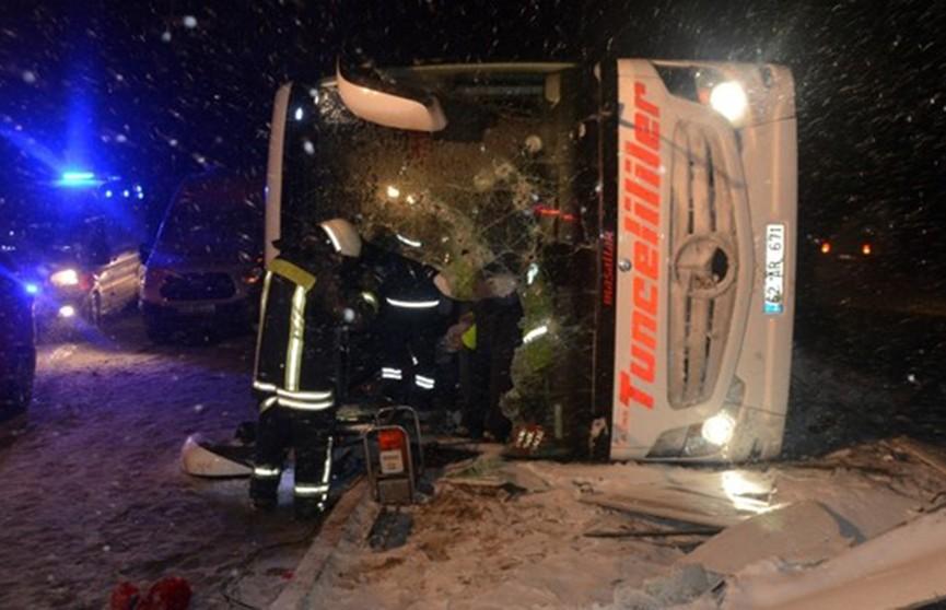 Два крупных ДТП с автобусами в Турции: три человека погибли, более 50 пострадали