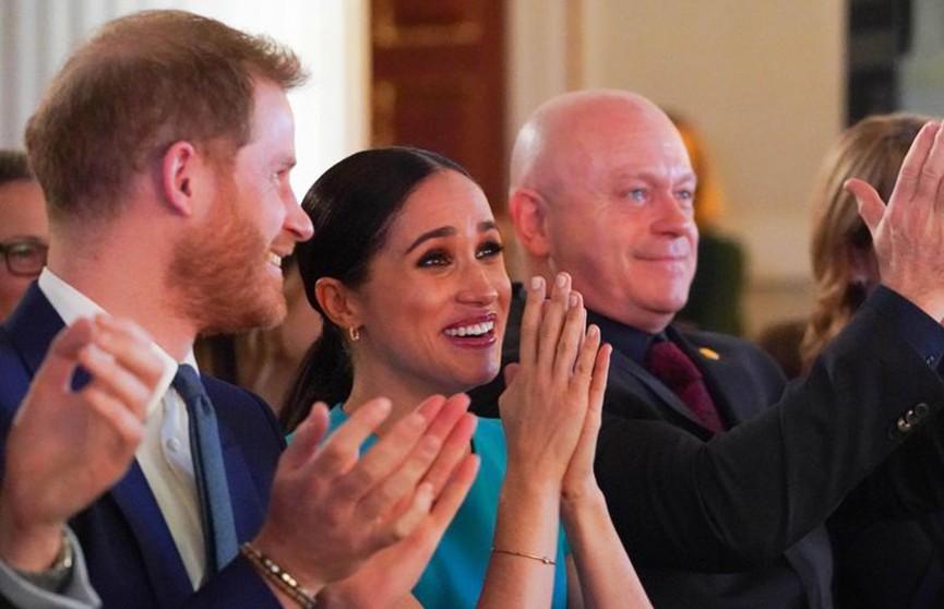 Британец сделал предложение девушке на глазах у Меган Маркл и принца Гарри