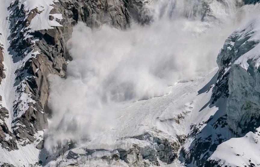 В Пакистане лавина унесла жизни пяти человек