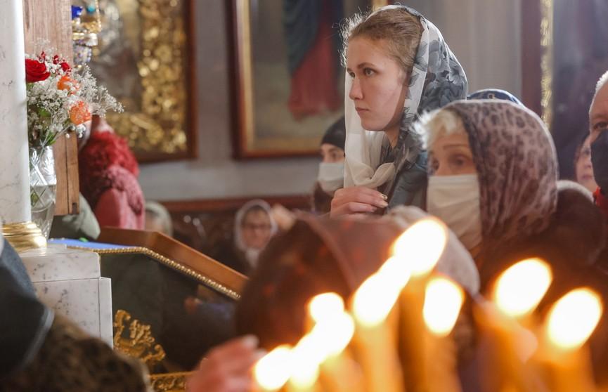 Православные верующие отмечают Рождество по всей Беларуси