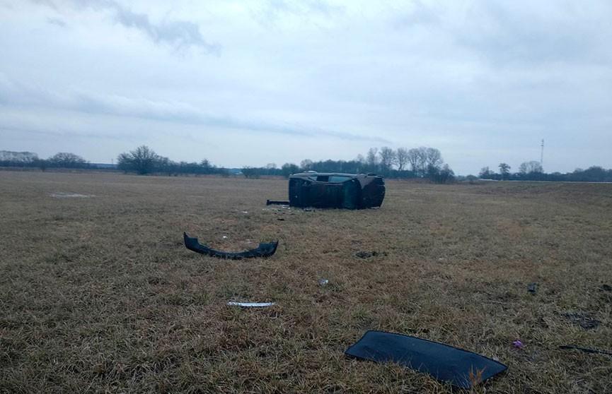 18-летний водитель опрокинул BMW в Берестовицком районе. Пострадали два несовершеннолетних пассажира