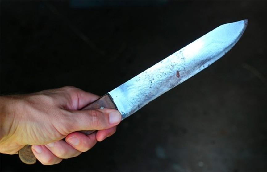 Неизвестный с ножом напал на прохожих в аэропорту Дюссельдорфа