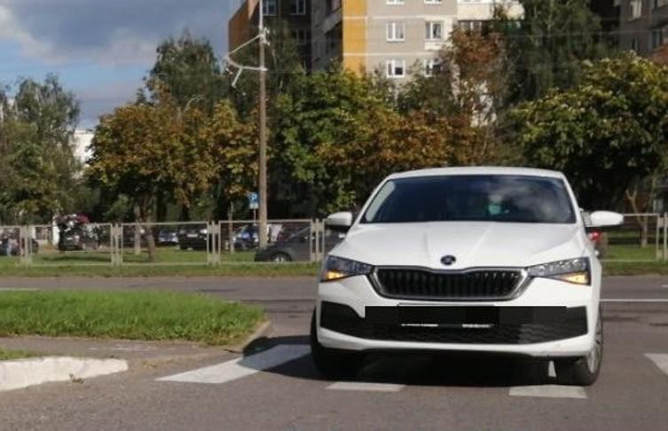 Автомобиль сбил ребенка на самокате в Минске