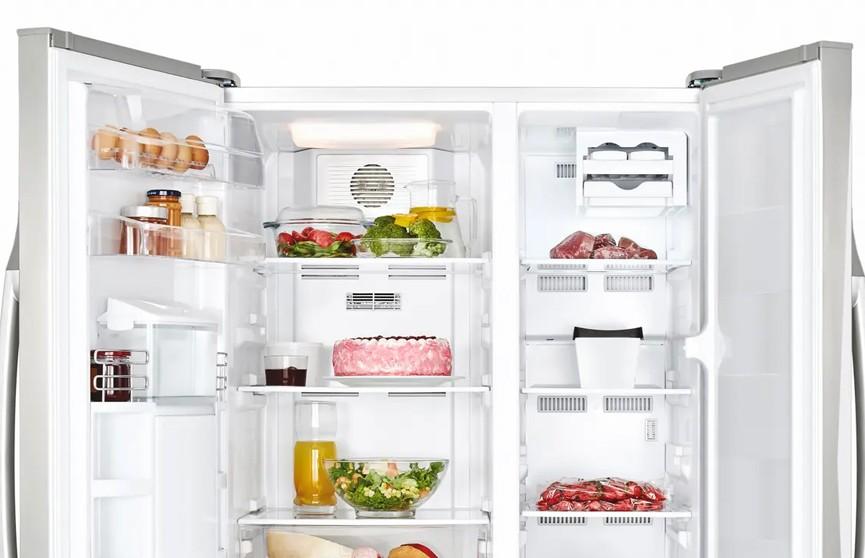 В США школьница лишилась телефона и научилась твитить с холодильника
