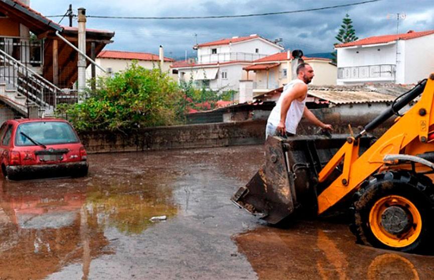 Циклон «Янос» обрушился на Грецию: по меньшей мере два человека погибли