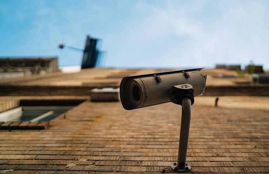 Хакеры взломали 150 тысяч камер наблюдения в Tesla, тюрьмах, спортзалах