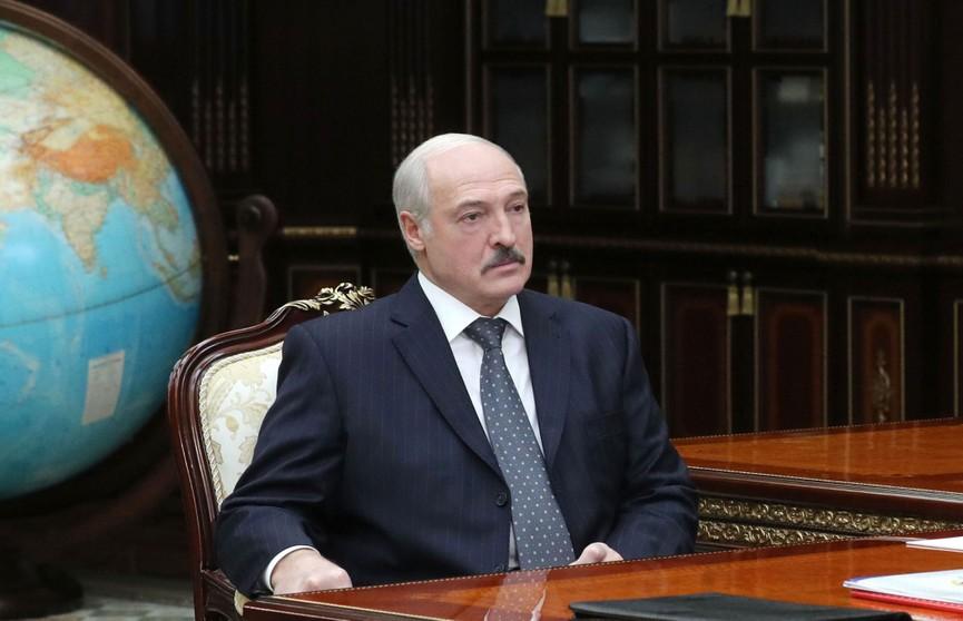 Александр Лукашенко призвал поберечь пожилых людей на фоне распространения вирусов