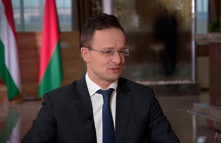 Министр иностранных дел Венгрии прокомментировал возможность появления лоукостера WizzAir в Беларуси