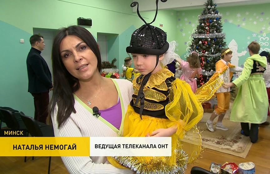 Телеведущие  ОНТ поздравили с Рождеством и Новым годом воспитанников детского социального приюта