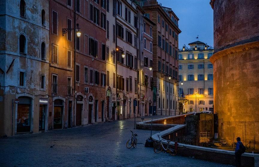 Кого не хотят видеть итальянцы в гостях этим летом – опрос