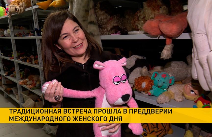 Белорусскую ленту «Купала» показали главам дипмиссий и жёнам послов на «Беларусьфильме» накануне Международного женского дня