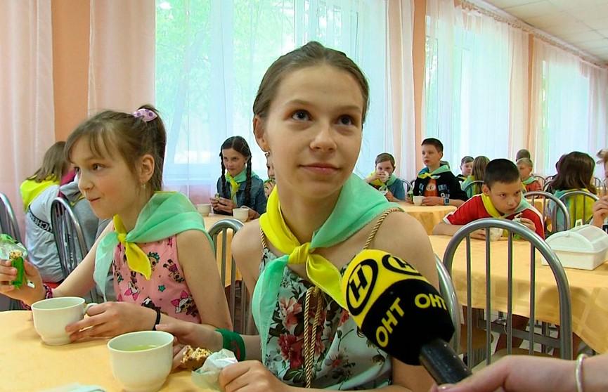 Котлеты, пюре, суп. Питание в детском лагере: заглянули на кухню и узнали все секреты меню