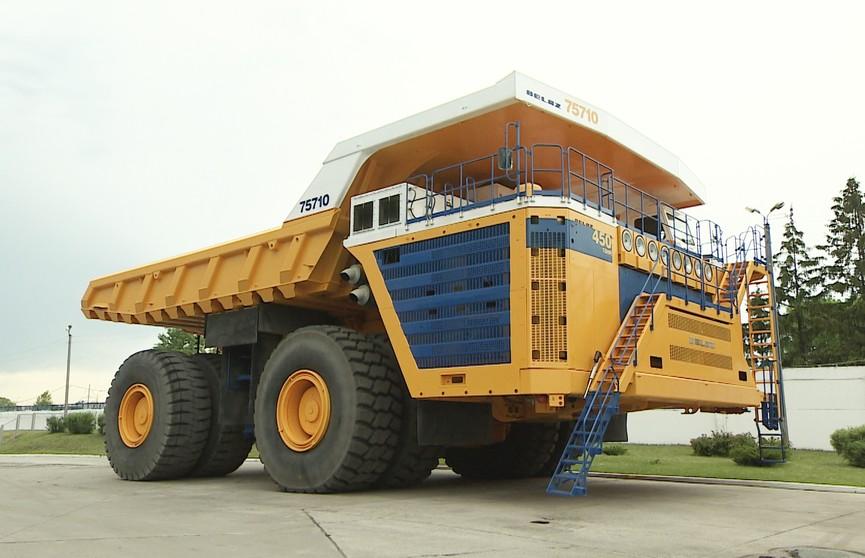 БелАЗ поставил еще два 130-тонных карьерных самосвала на разработку Восточного рудника на Кольском полуострове