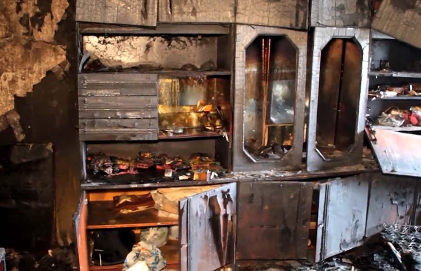 «Сильный пожар. 11-й этаж. Горит комната». Чрезвычайная ситуация на 11 этаже 12-этажного общежития