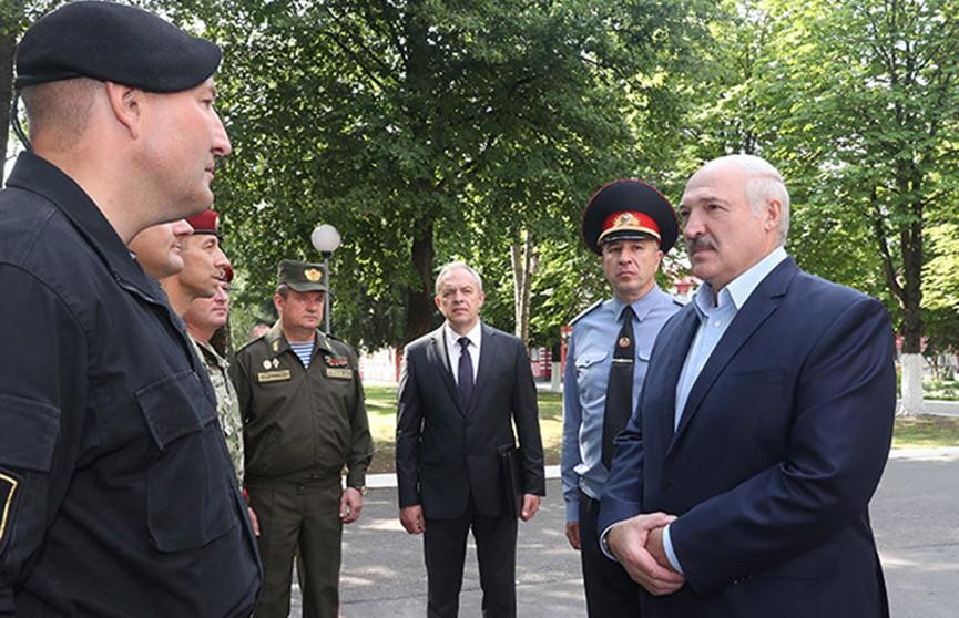 Лукашенко рассказал, что думает об уличных акциях