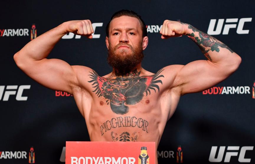 Макгрегор и Серроне показали одинаковый вес перед UFC 246