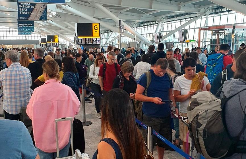 15 тысяч пассажиров не могут вылететь из Лондона из-за неполадок компьютерной системы