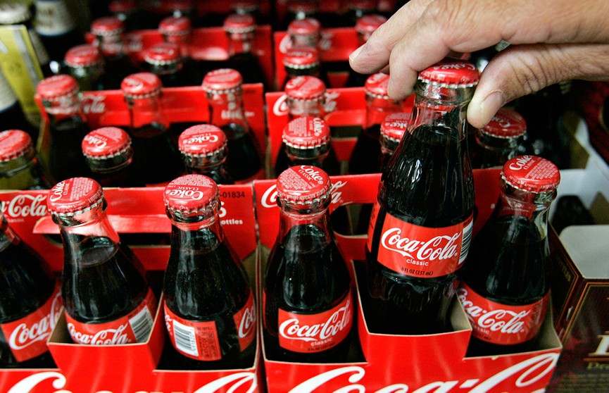 Coca-Cola Company приостанавливает размещение рекламы во всех соцсетях