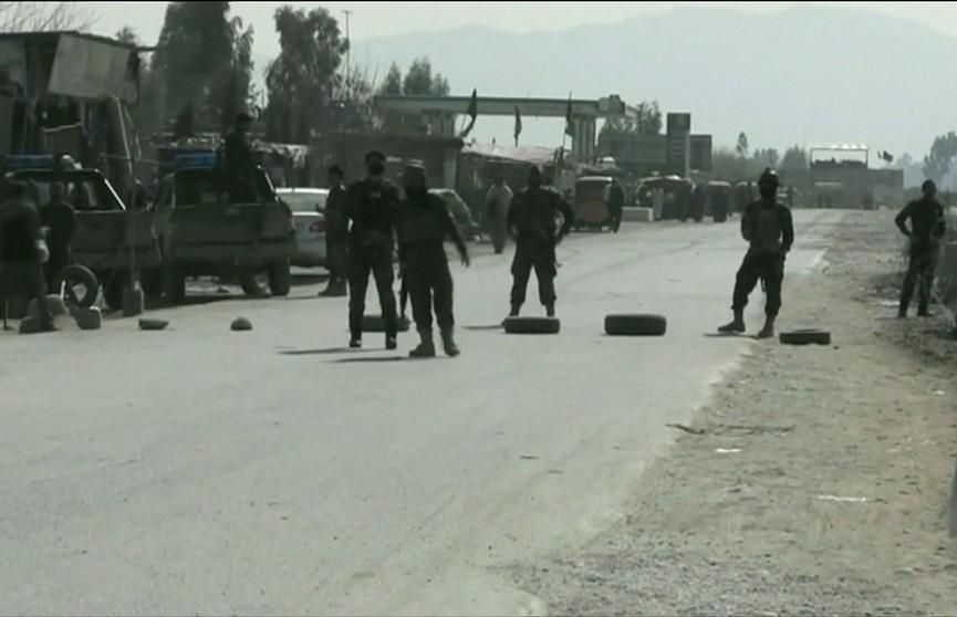 Атаке боевиков подверглись сотрудники сил безопасности в Афганистане: 22 силовика погибли