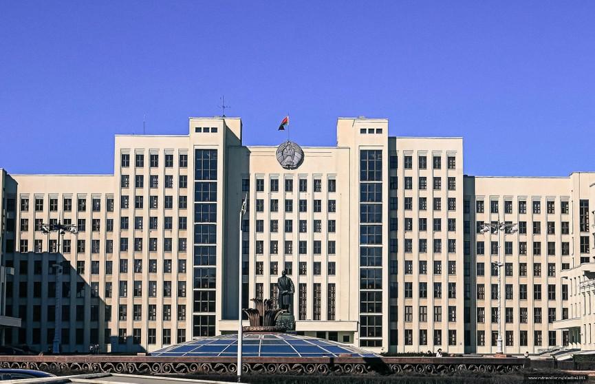 Александр Лукашенко обратится с Посланием к белорусскому народу и Национальному собранию. Съёмочная группа ОНТ работает в Доме правительства