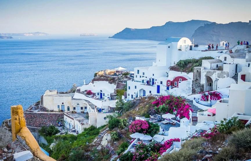 Власти Греции готовятся открыть новый туристический сезон.