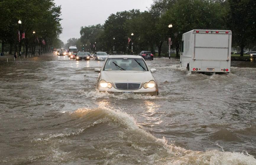 Метро и Белый дом затопило из-за ливня в Вашингтоне