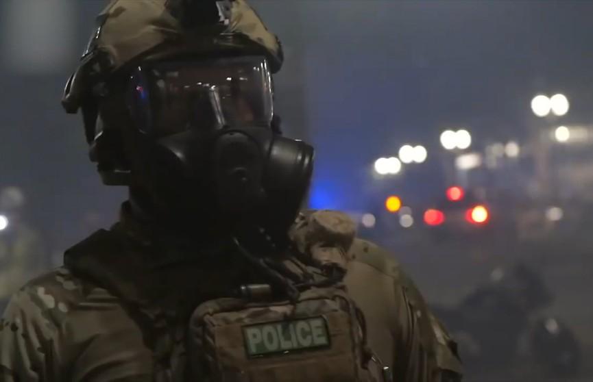 Демонстрации против расизма и полицейского насилия не утихают в США: военные применяют слезоточивый газ и дубинки