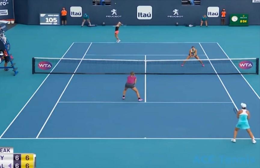 Арина Соболенко и Элизе Мертенс выиграли крупный теннисный турнир в Майами в парном разряде