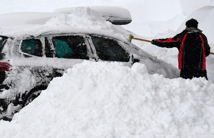 Юг Европы утопает в снежных сугробах