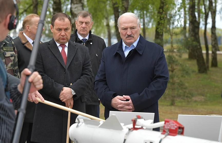 Лукашенко: Наша стратегическая задача в сфере обороны, если вдруг, – нанести неприемлемый урон противнику