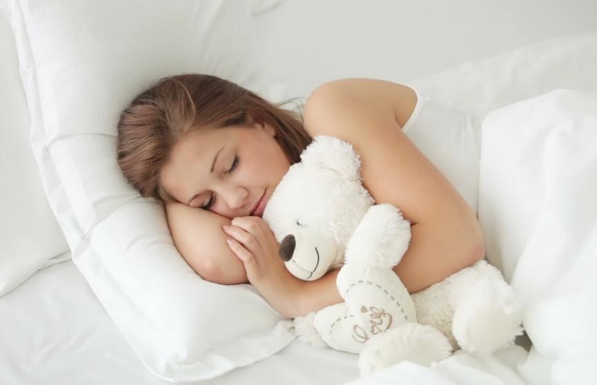 Эксперты назвали аромат, который способствует качественному сну