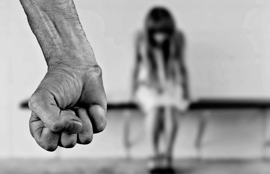 Маньяк, удерживавший девушек в бункере, освободился после 17 лет заключения