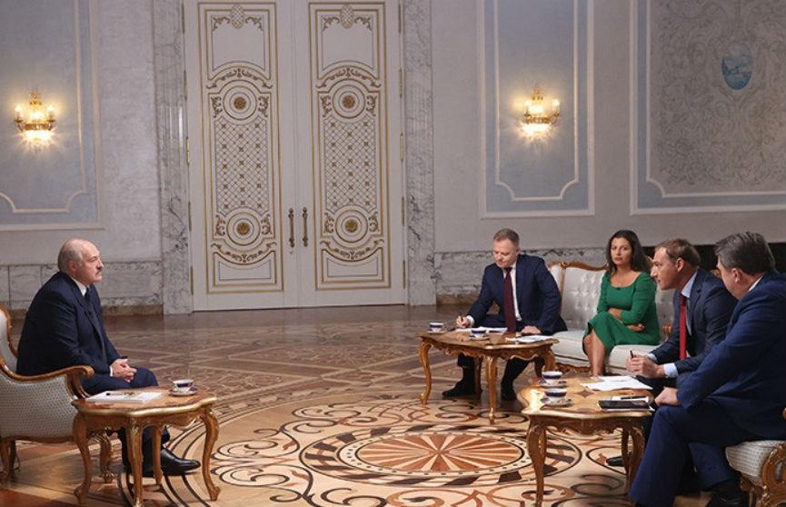 Лукашенко дал интервью представителям ведущих российских СМИ