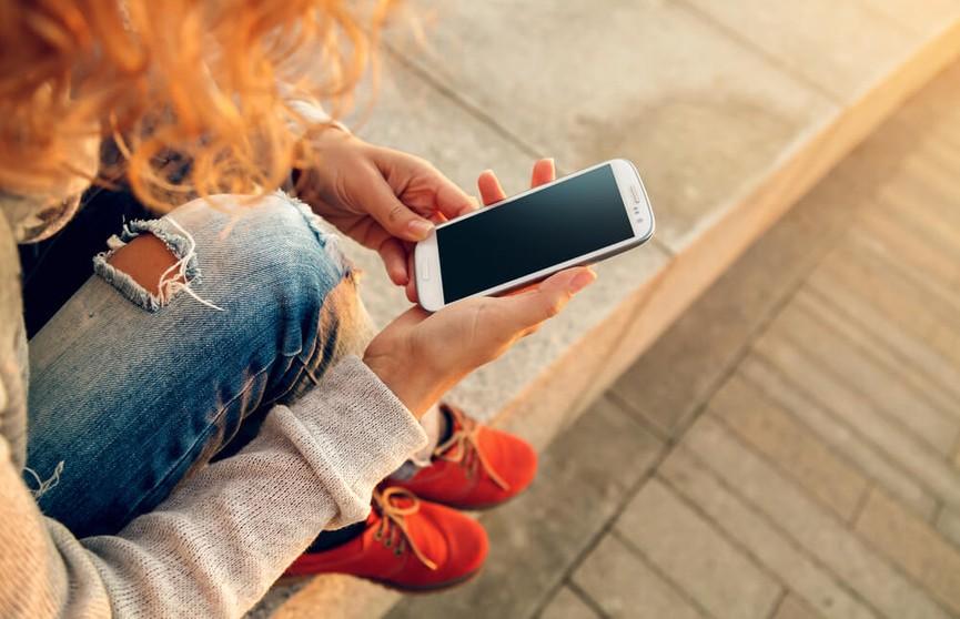 Зависимость от смартфонов приводит к депрессии и одиночеству
