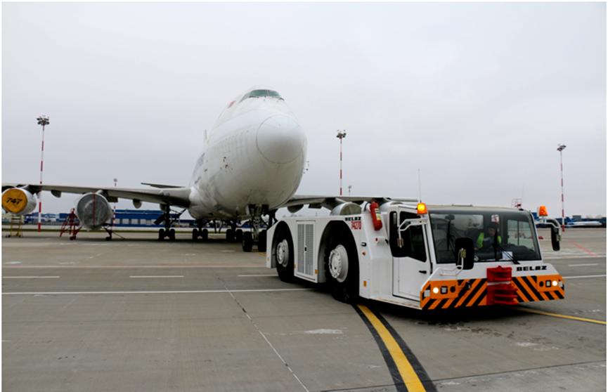 БелАЗ изготовит тягач для аэропорта в Новосибирске