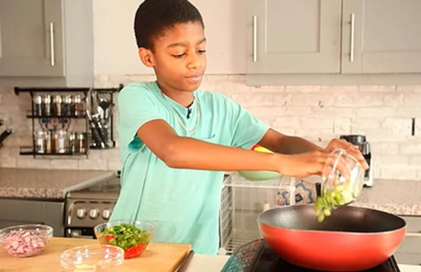 Ушедший из школы мальчик стал самым юным ресторатором в мире в 11 лет