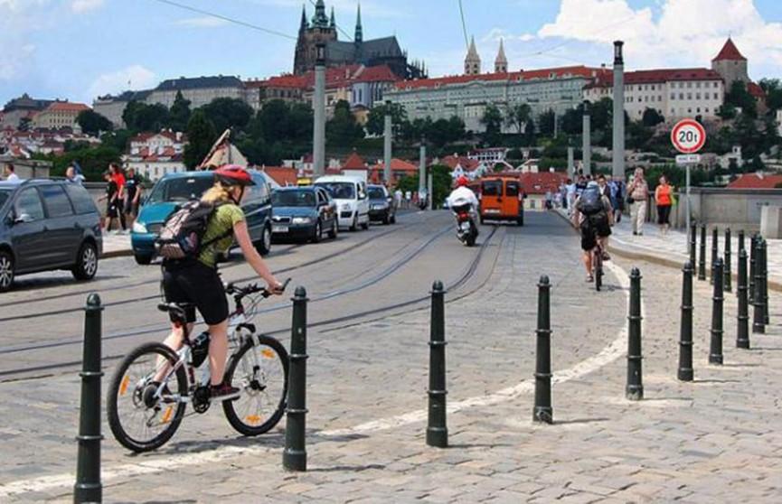 Пить за рулём разрешили велосипедистам в Чехии