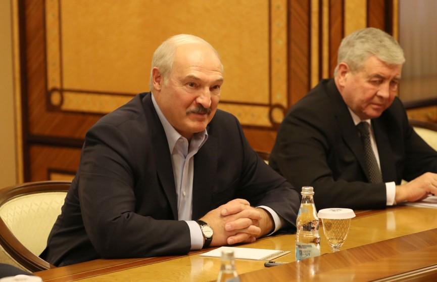 Лукашенко раскрыл подробности встречи с Путиным в Сочи коллективу Светлогорского ЦКК