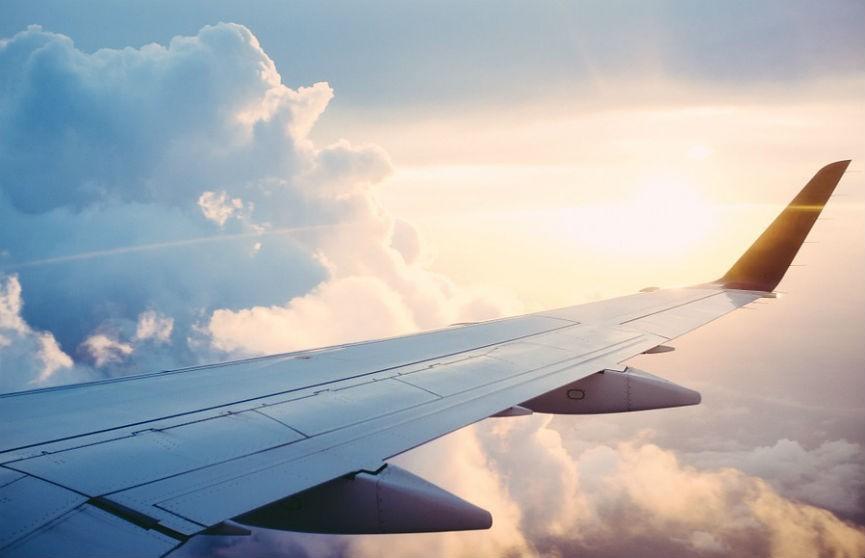 Пассажирский самолет загорелся в воздухе над Гавайями. Никто не пострадал (ВИДЕО)